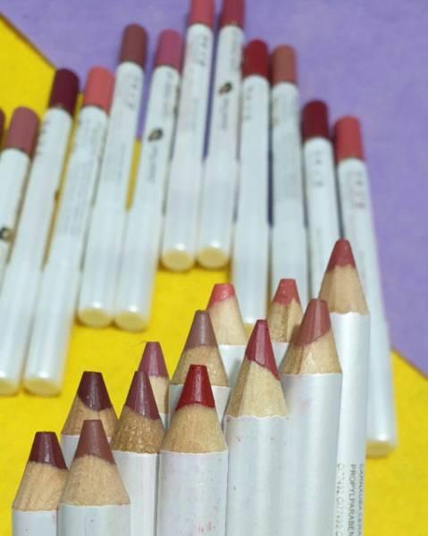 رژلب مدادی vov
